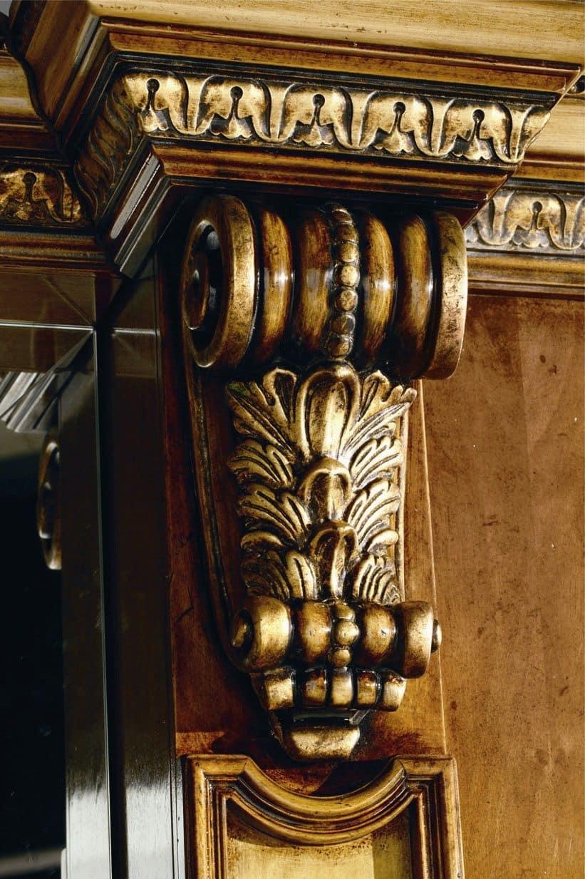 Boiserie in pannelli di legno multistrato cornici in for Interni classici di lusso