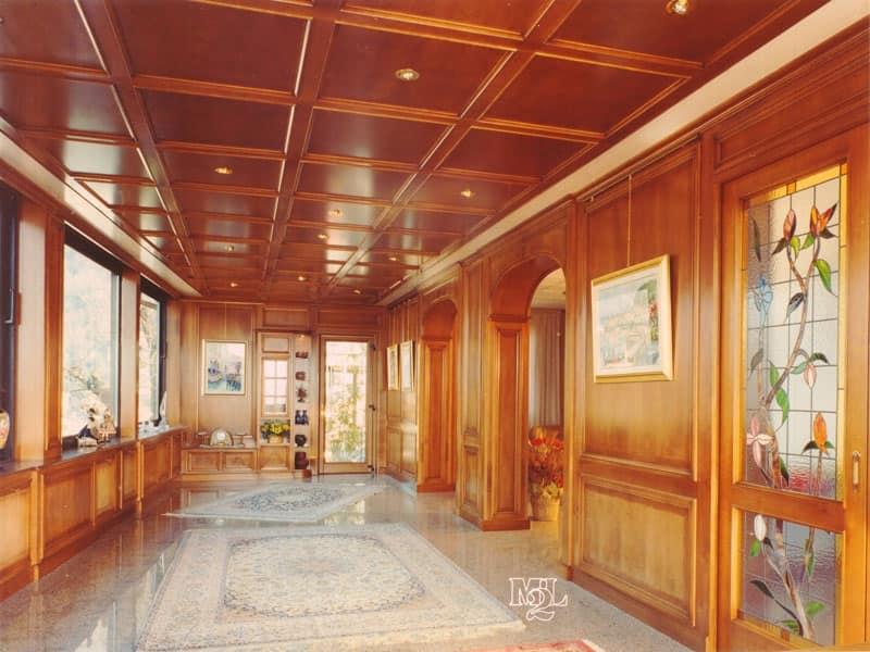 boiserie in legno di noce per soggiorno, stile classico | idfdesign - Soggiorno Classico Di Lusso 2