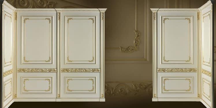 Boiserie con finiture in oro stile classico di lusso - Pareti decorative ...