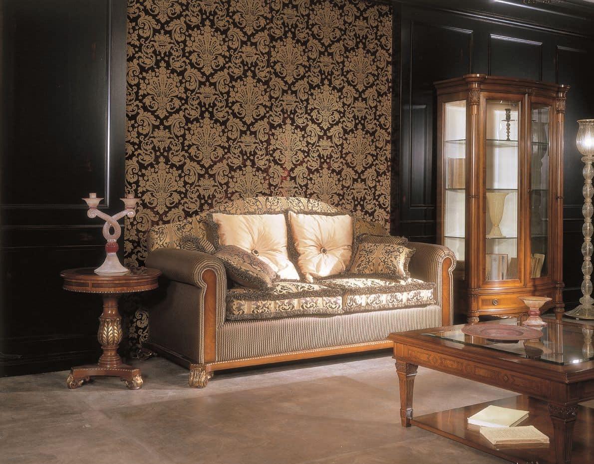 3911, Divano 3 piazze in legno  di faggio, schienale e seduta imbottiti, per ambienti in stile