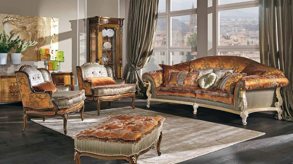 Divano classico di lusso con 3 posti per salotti eleganti ...