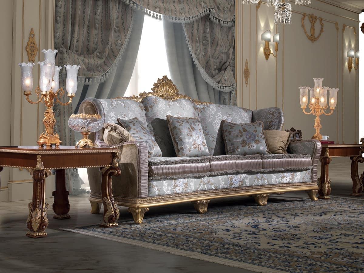 Divano classico in legno intagliato e velluto idfdesign - Divano classico lusso ...
