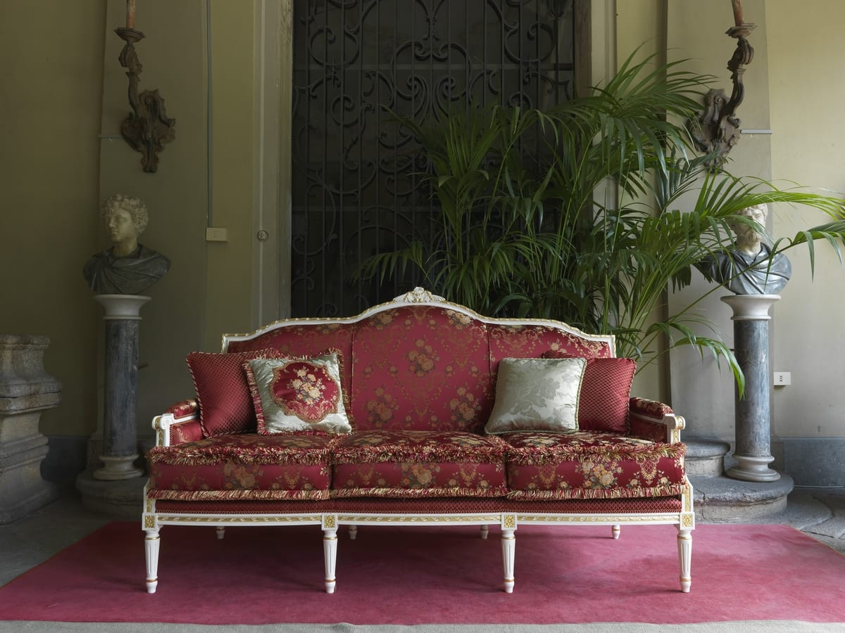 Alice divano, Divano in stile Luigi XVI