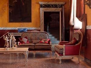 Ambra divano, Divano classico capitonnè, con intagli, finitura laccata