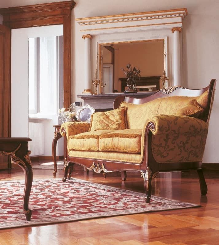 Divano imbottito con intagli per salotti in stile di lusso idfdesign - Divano classico lusso ...