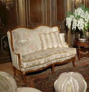 Immagine di Art. 1075, divani in stile