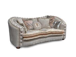 Aurora, Lussuoso divano con decorazioni capitonn�