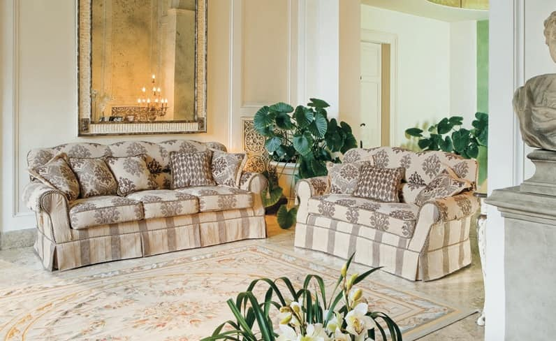 Divano imbottito in stile classico di lusso per salotto for Divani per salotto