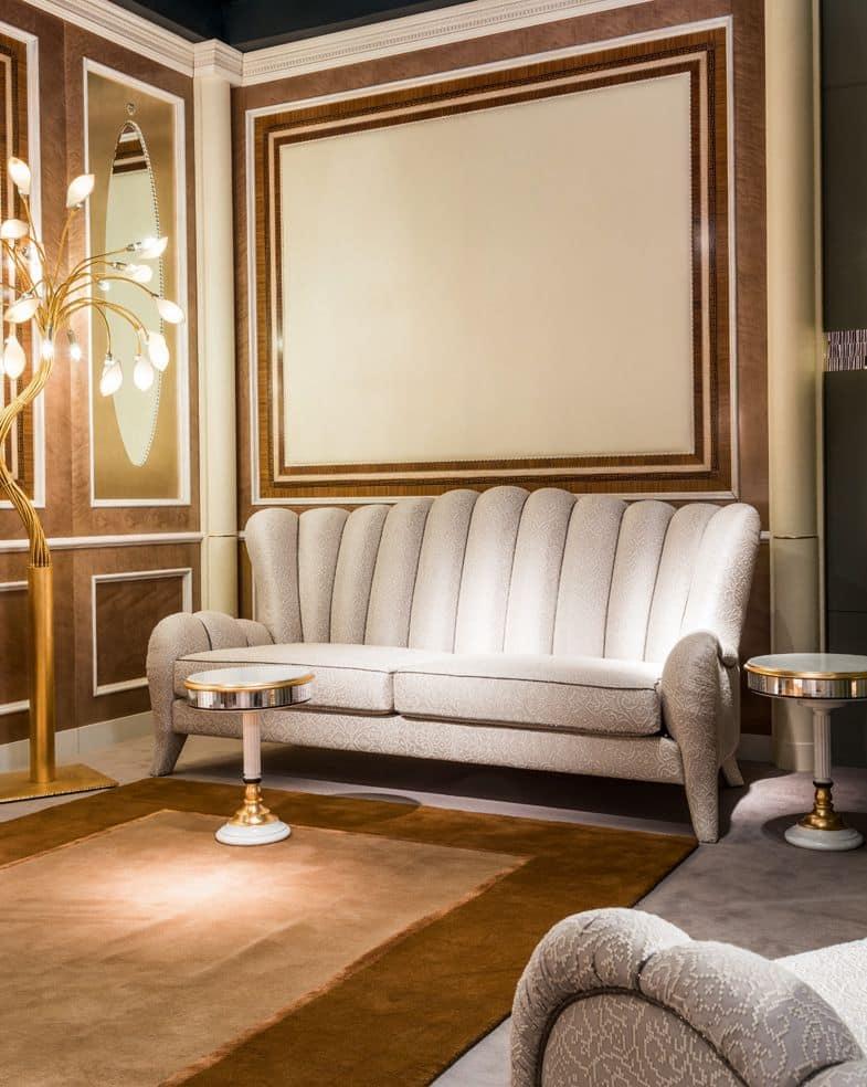 Divano classico a 3 posti schienale con motivo verticale for Divani di lusso marche