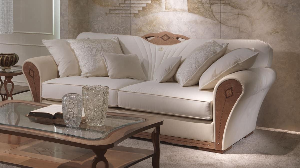Divano imbottito in legno per salotti lussuosi idfdesign for Salotti eleganti classici