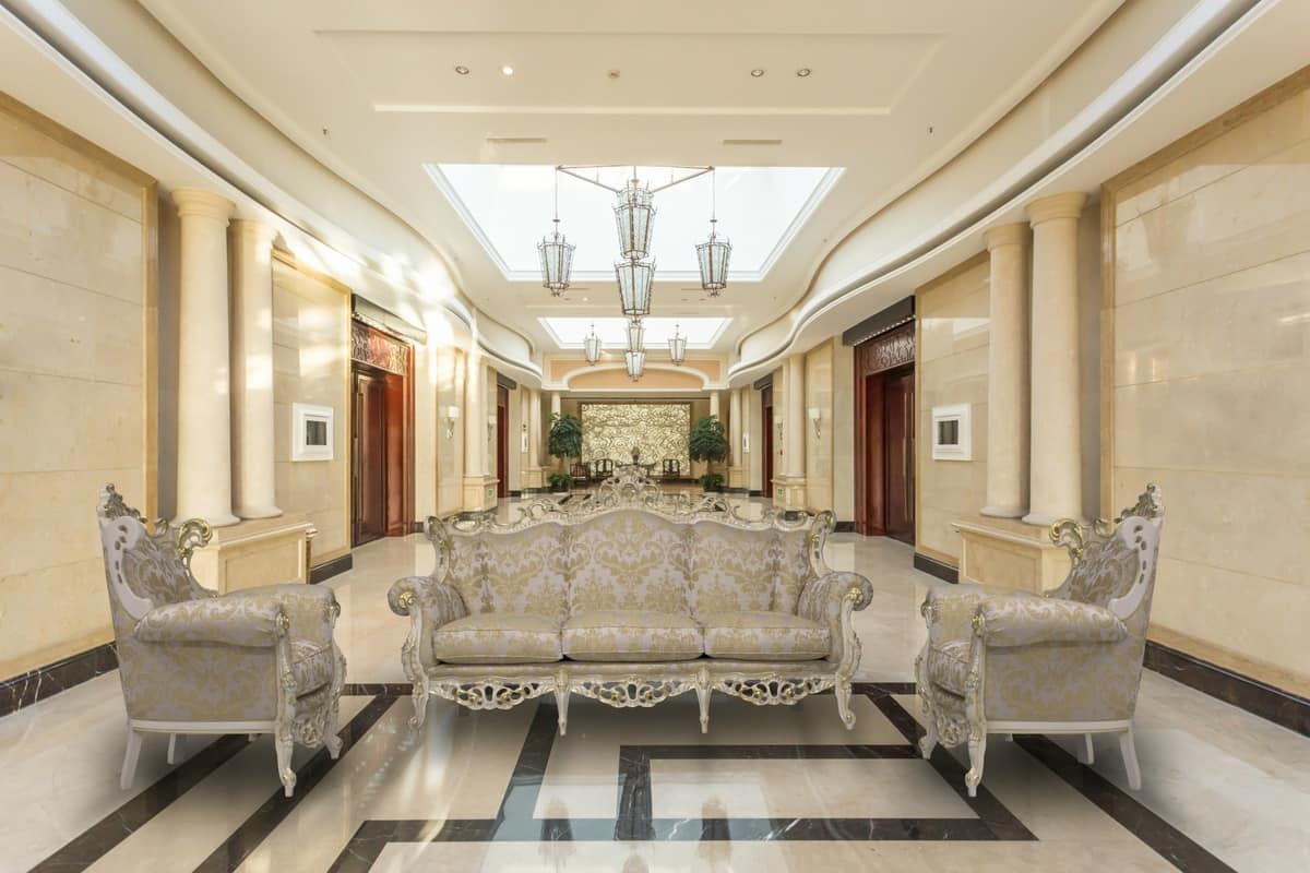 Finlandia Sitting room's set, Salotto classico con finiture in foglia d'oro