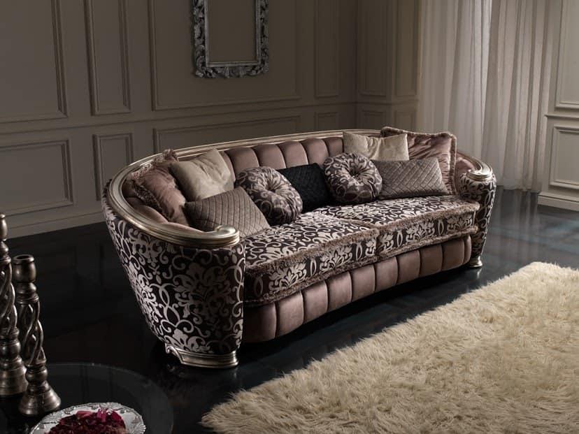 Lussuoso ed elegante divano, con tessuto a motivo floreale ...