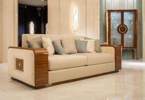 Kaiser, Divano 4 posti in faggio massiccio, schienale e seduta imbottiti, per salotti in stile classico di lusso