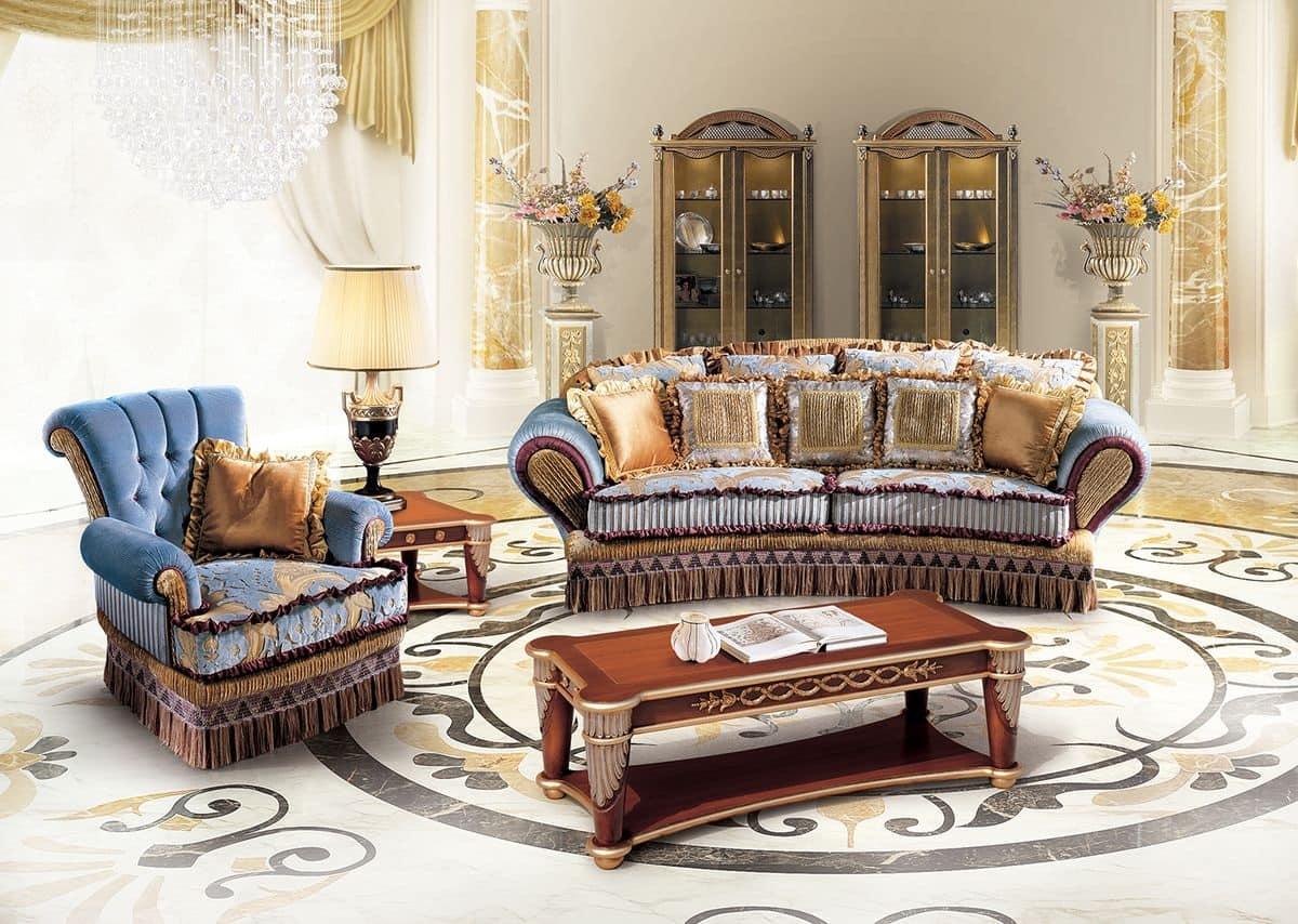 Divani stile classico idee per il design della casa for Divani di lusso prezzi