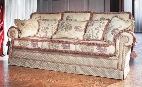 Divani stoffa classici idee per il design della casa for Divani di lusso marche