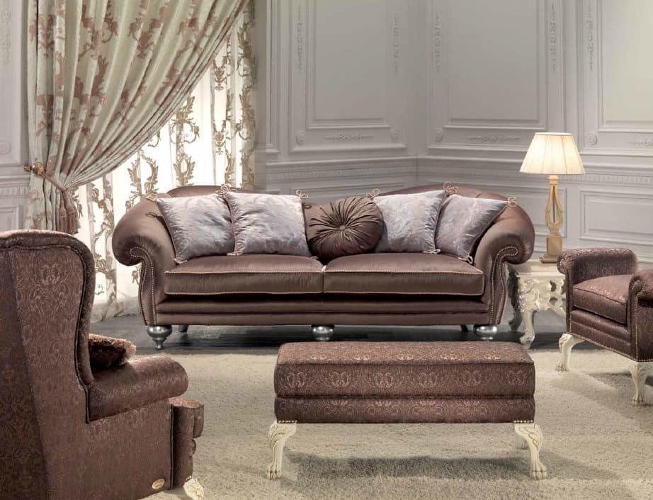 Divano 3 posti per salotto classico dettagli eleganti for Divani classici
