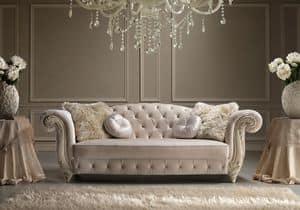 Romantic, Elegante divano intagliato a mano