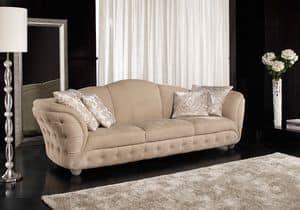 Scarlett, Lussuoso divano con preziose decorazioni