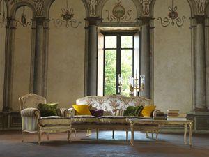 Silvia, Divano interamente intagliato a mano, stile Luigi XV