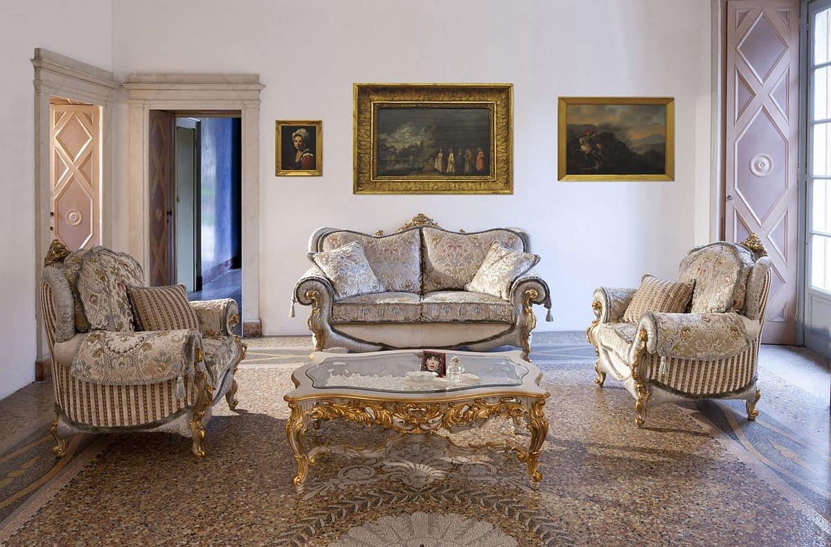 Divano e poltrona in stile classico idfdesign for Divani di lusso prezzi