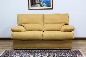 Comodo divano, Un divano completamente sfoderabile con imbottiture in piuma d�oca