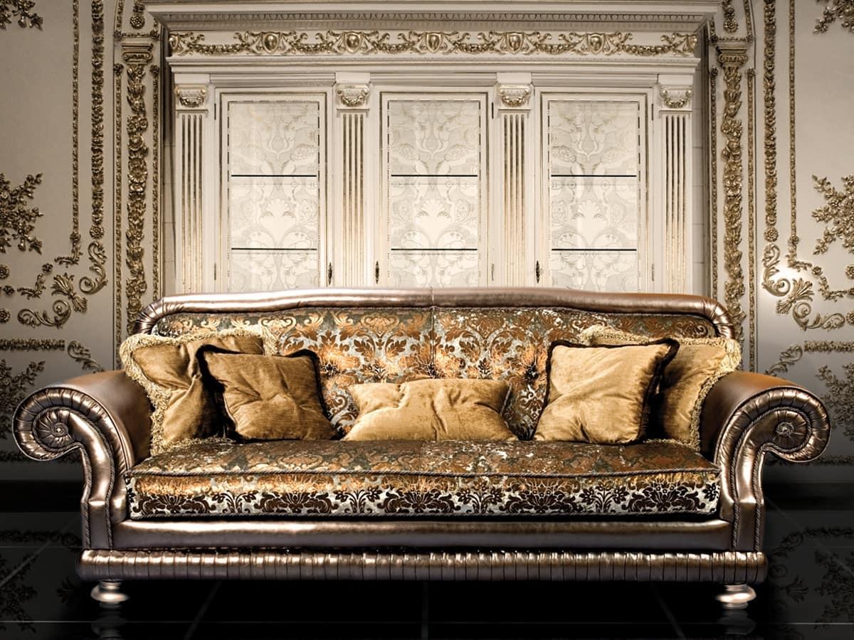 Divano di lusso in stile classico idfdesign - Divano classico lusso ...