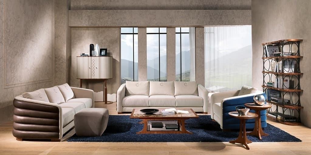 Divano 3 piazze ideale per ambienti in stile classico for Divani classici in stile