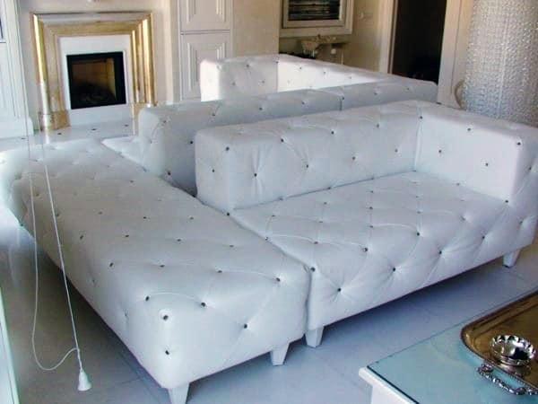 Composizione con divano e poltrona, disponibile divano ...