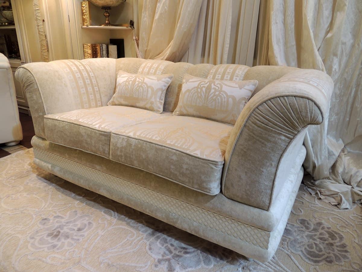 Divano salotto classico idee per il design della casa - Dormire sul divano ...