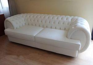 Gioconda divano, Divano capitonné in pelle bianca