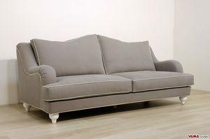 Giove divano, Divano della linee classiche