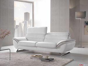 Cruise, Elegante e confortevole divano moderno con piedini in acciaio