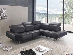 Domino, Un moderno divano angolare con piedini alti in acciaio cromato