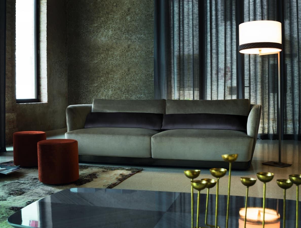 Divano design confortevole con cuscini in piuma idfdesign - Cuscini divano design ...