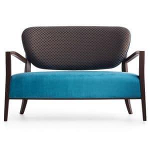 Cammeo 02651, Divano in legno massiccio, seduta e schienale imbottiti, copertura in tessuto, stile moderno