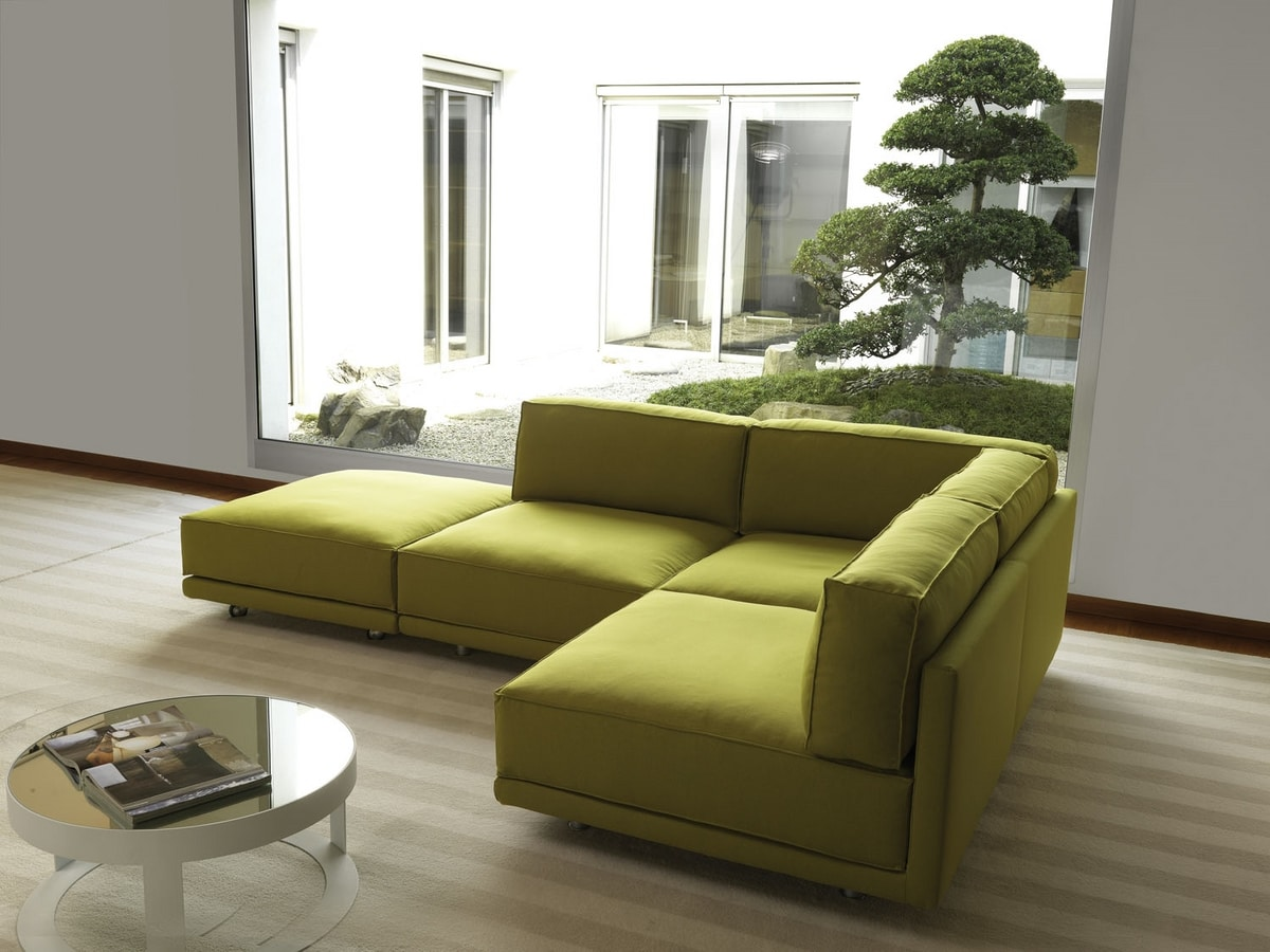 Imbottiti divani divani letto idf for Divani soggiorno moderni