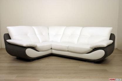 Un divano ad angolo moderno in pelle con schienale alto | IDFdesign