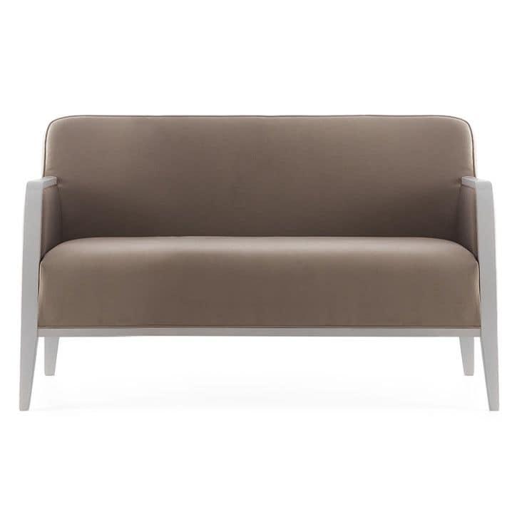 Opera 02251, Divano in legno massiccio, seduta e schienale imbottiti, copertura in tessuto, stile moderno