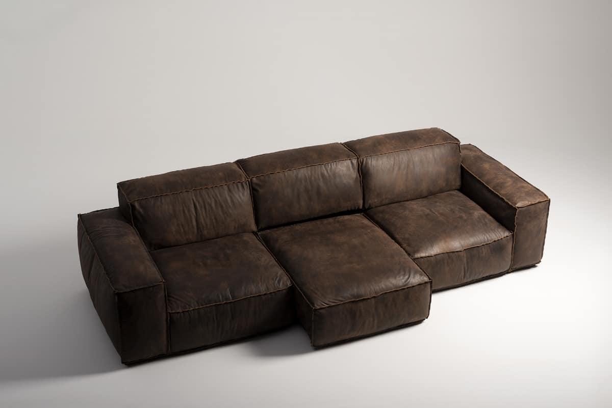 Sobrio ed elegante divano in pelle vintage con meccanismo relax