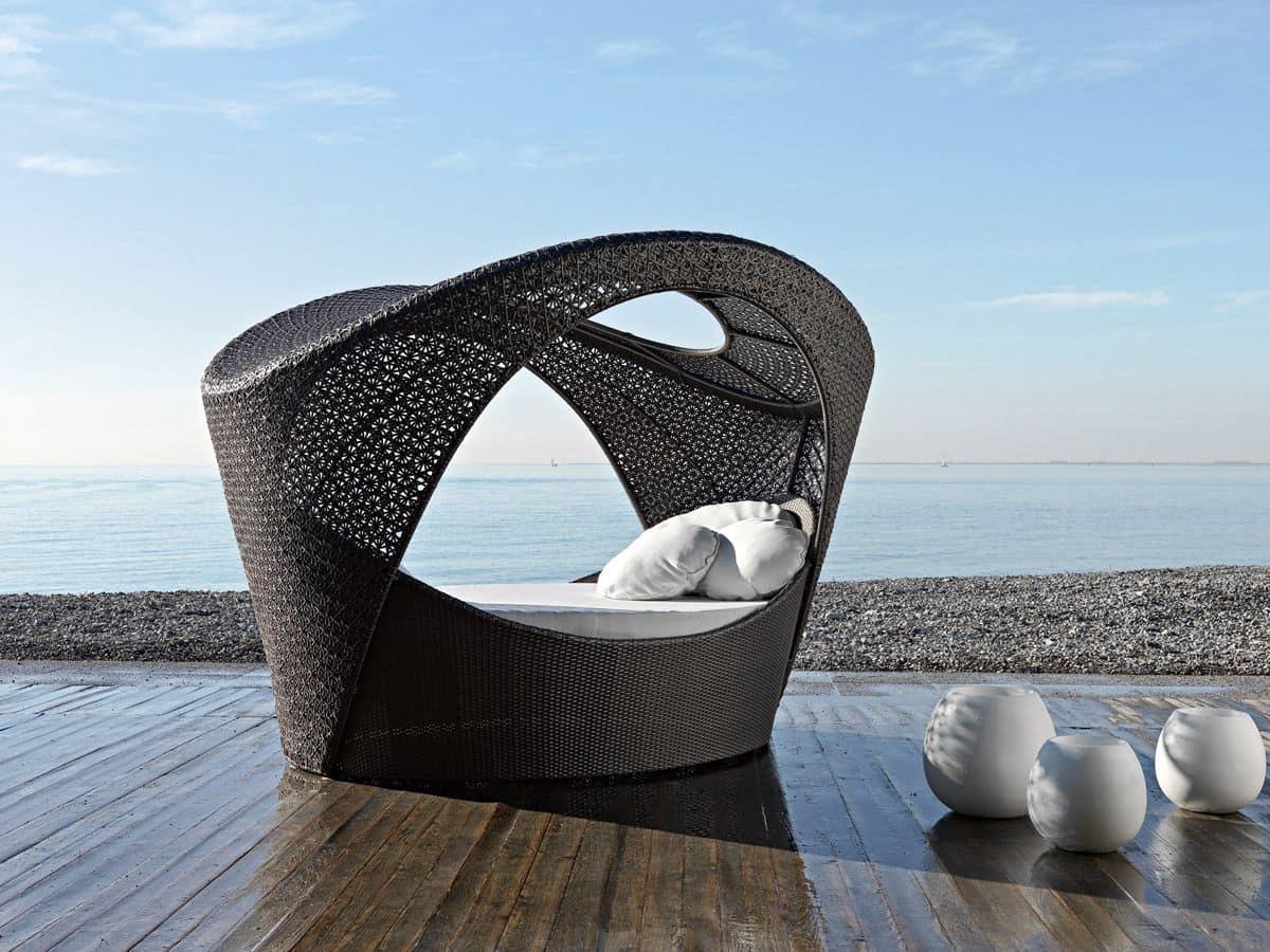 Divanetto alcova intrecciato per patio e aree relax for Divanetti per esterno