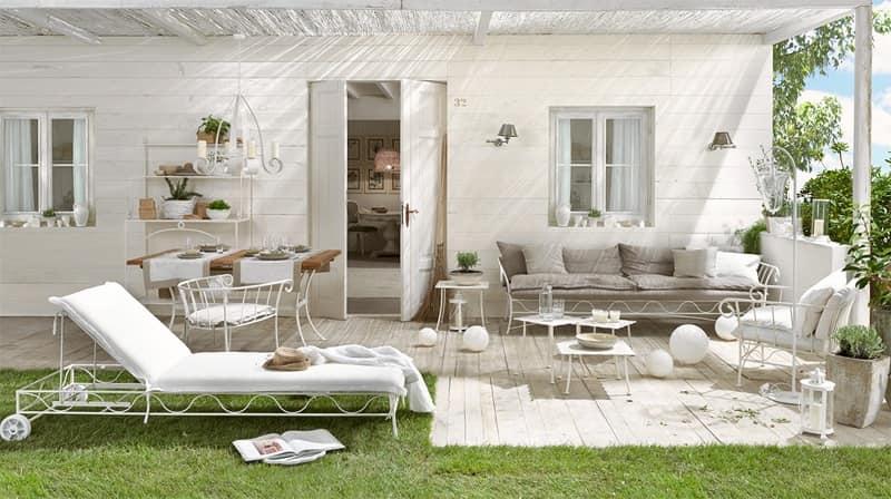 Divano per esterno base in metallo rivestimento in lino for Divanetti per esterno