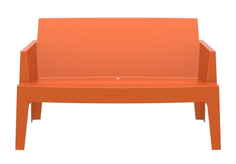 Divanetto per esterno in plastica impilabile per for Divanetto in legno per esterno