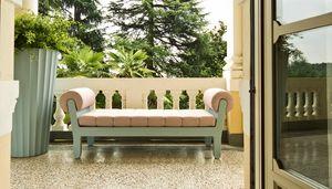 Belle Etoile, Divanetto da esterno, dalle linee neoclassiche