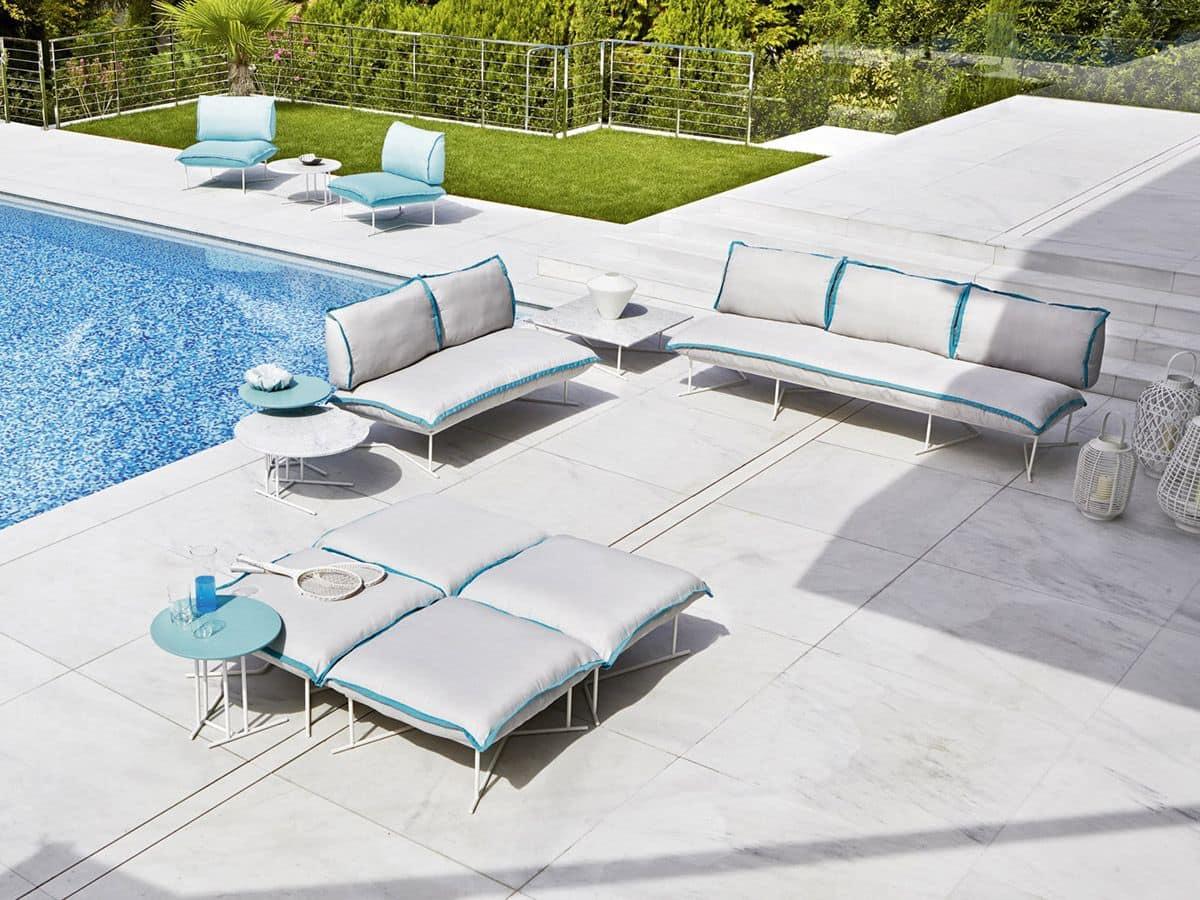 Ampio divano da esterno base in acciaio con cuscini - Cuscini divano esterno ...