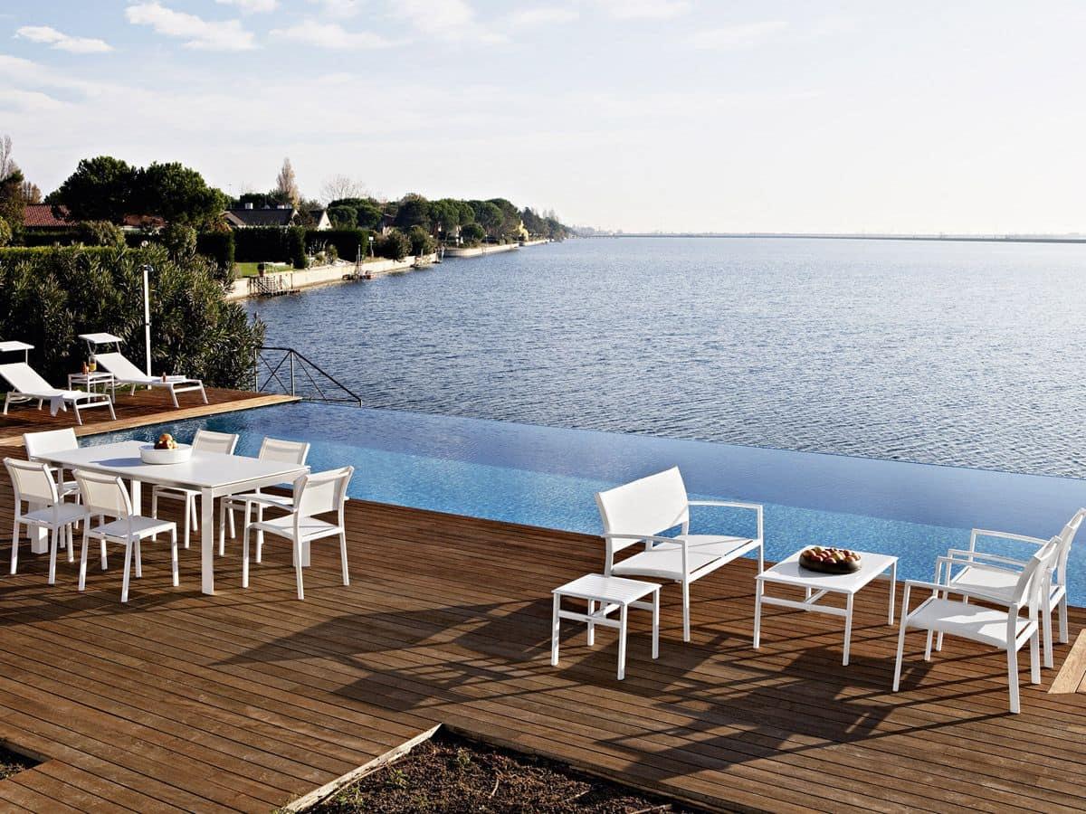Victor divano divano in alluminio e tessuto per terrazzi for Divani per terrazzi