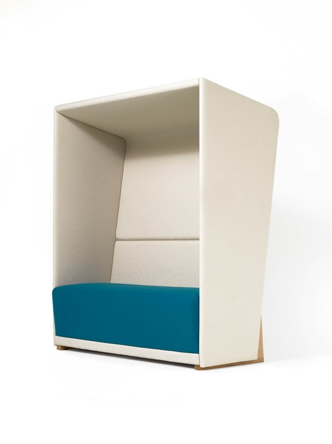 Divano con schienale alto per garantire la privacy | IDFdesign