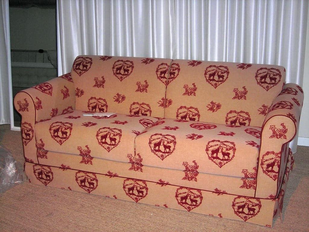 Divano letto rivestito in tessuto completamente - Immagini divani letto ...