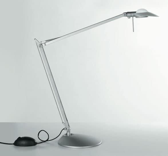 Complemento scrivania lampada da tavolo per l 39 ufficio for Lampada scrivania ufficio