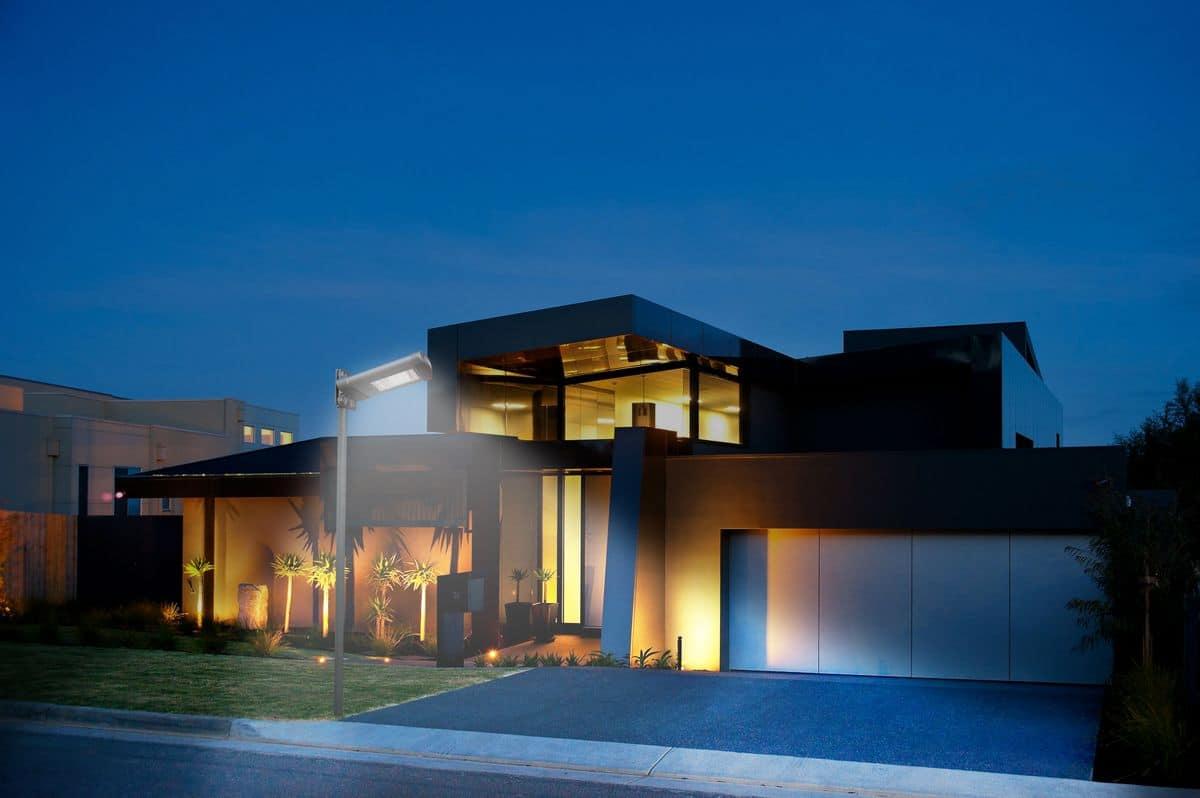 Lampada da parete a energia solare per esterni luce led idfdesign