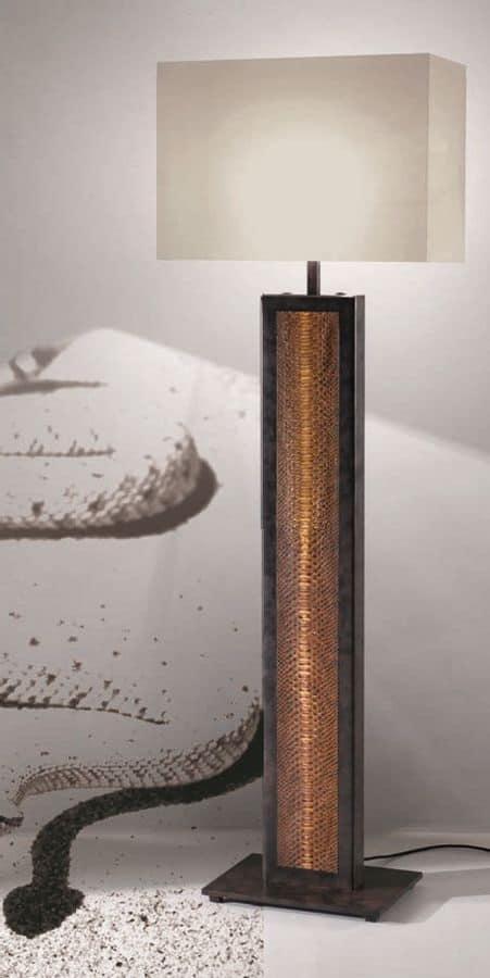 Lampada da terra per ufficio piantana per ufficio idfdesign for Lampada ufficio design